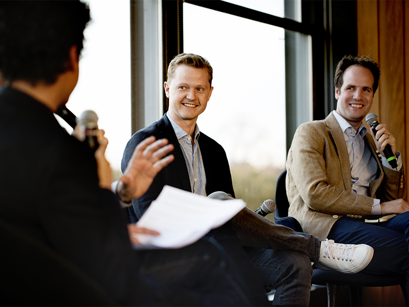 CEO and founder of Trustpilot Peter Holten Muhlmann (center) in conversation with Index partner Ben Holmes (right)